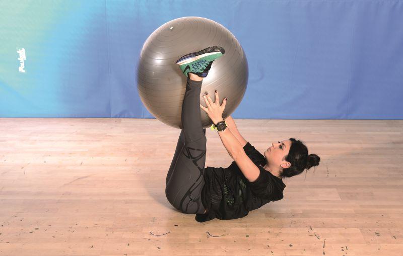 Wiosenny plan treningowy – piersi, brzuch, pośladki