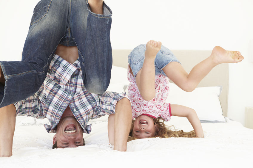 Zabawa z tatą wzmacnia samoocenę dziewczynek