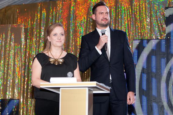 Gala Kryształ'owe Zwierciadła 2012. Galę prowadzili Katarzyna Montgomery, Redaktor Naczelna Magazynu Zwierciadło, i Marcin Prokop.
