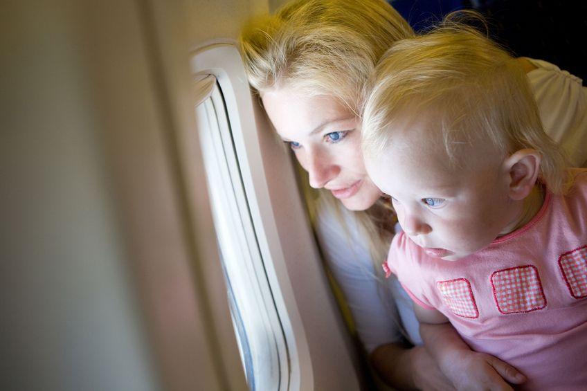 Lotnicze podroze z dziecmi