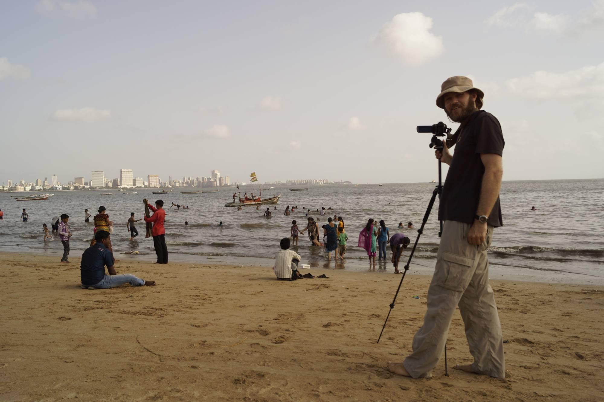 Jarek na plaży w Mumbaju