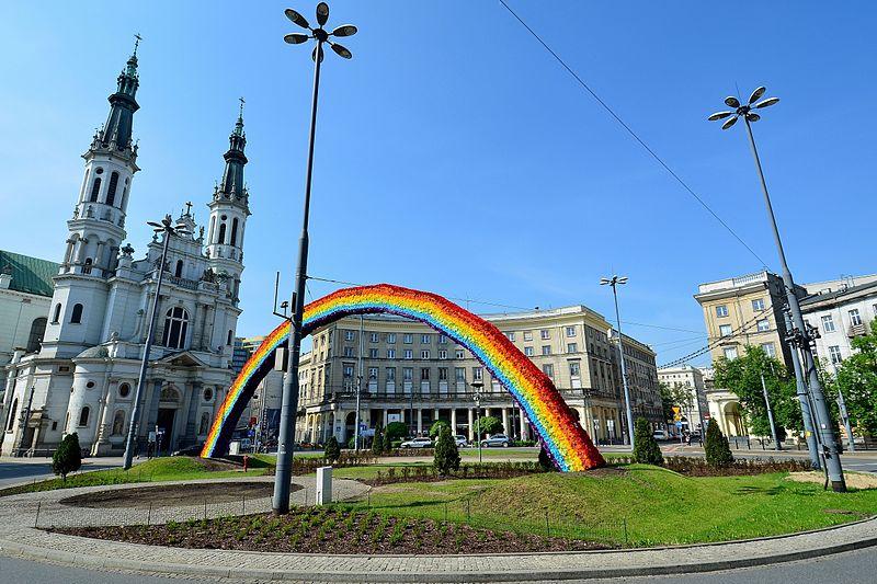Modne miejsca w Warszawie. Mit placu Zbawiciela