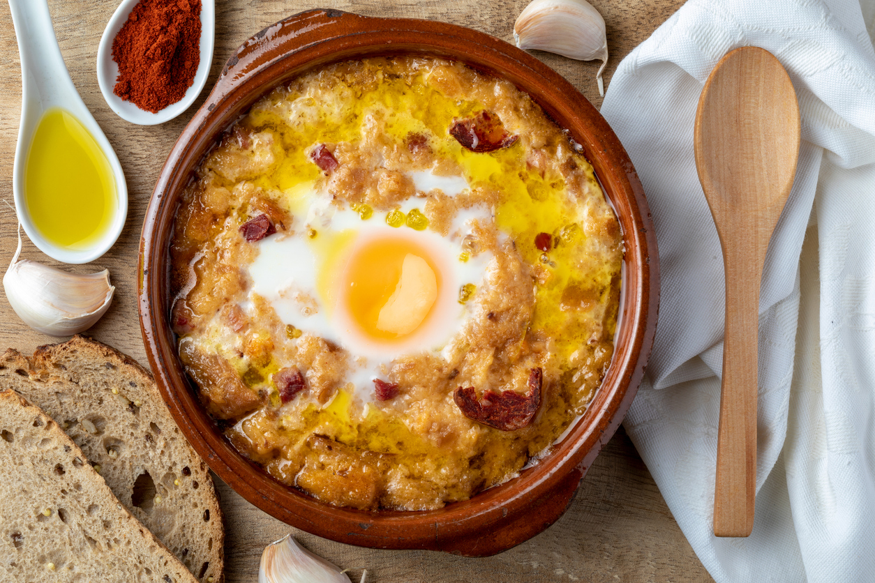 Cebulowa, czosnkowa, chrzanowa – zupy na odporność