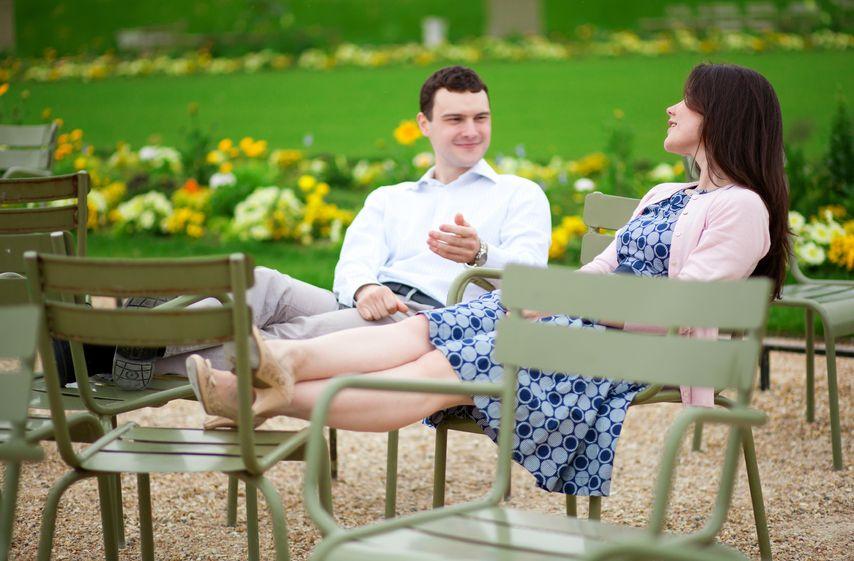 Kobieta i mezczyzna w parku