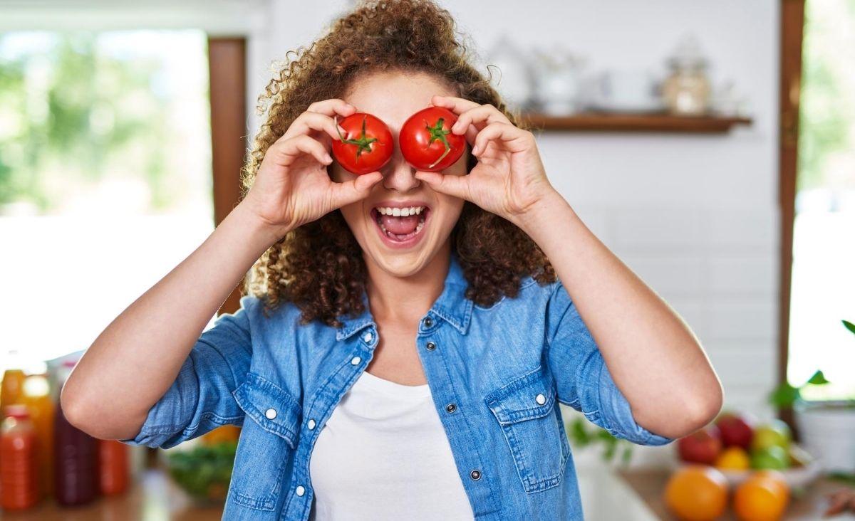 Polacy jedzą o 2 proc. mniej mięsa. Czy możemy mówić o żywieniowej rewolucji?
