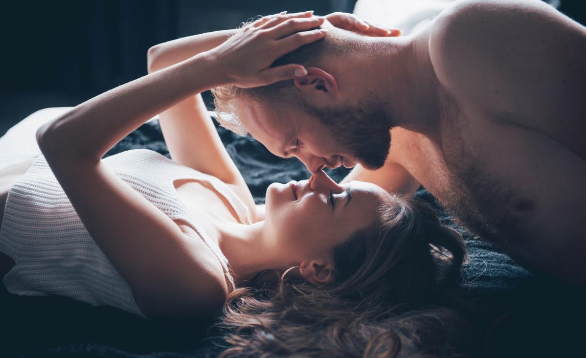 On zmęczony, ją boli głowa. Co zrobić, aby ożywić namiętność?