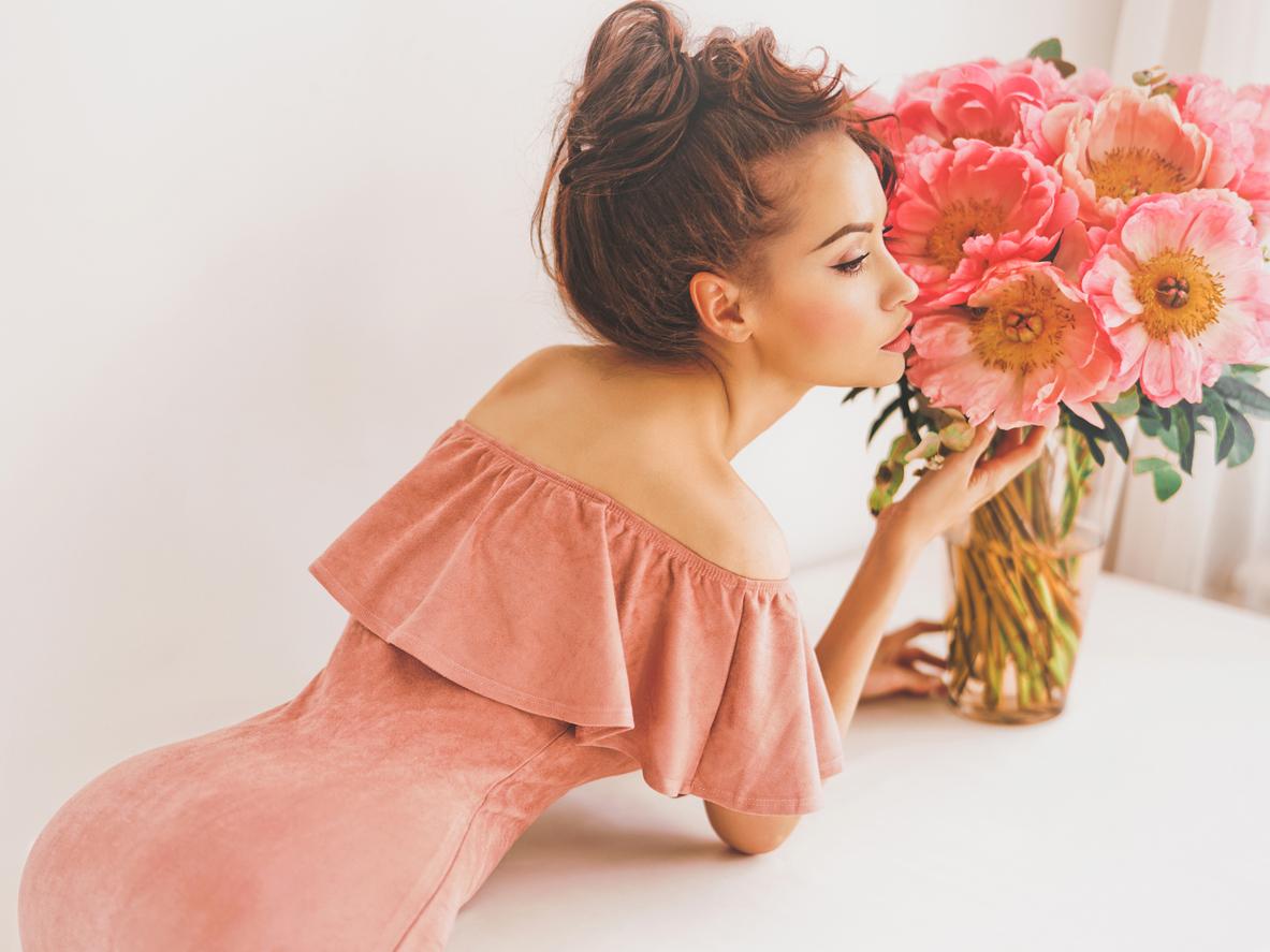 Etap różowej sukienki: Jak perfekcjonizm może utrudnić stworzenie dojrzałego związku?