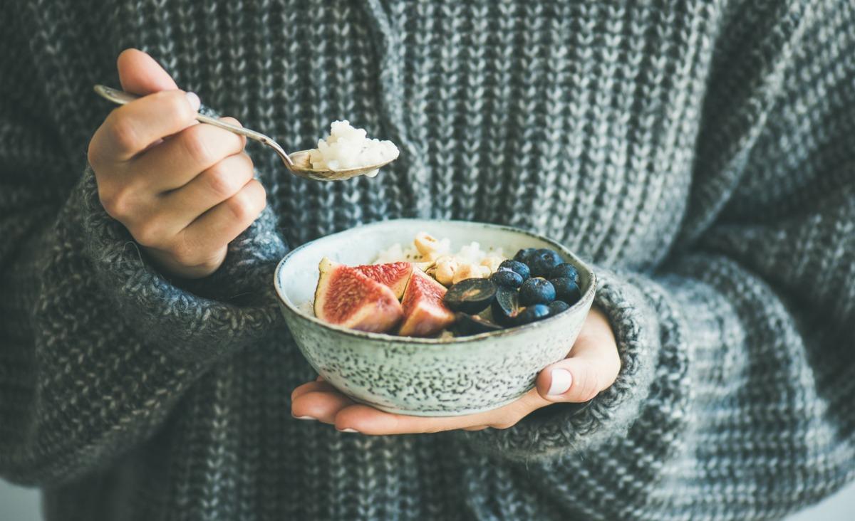 Co jeść, żeby wzmacnić odporność? Sprawdź, czy przestrzegasz najważniejszych zasad