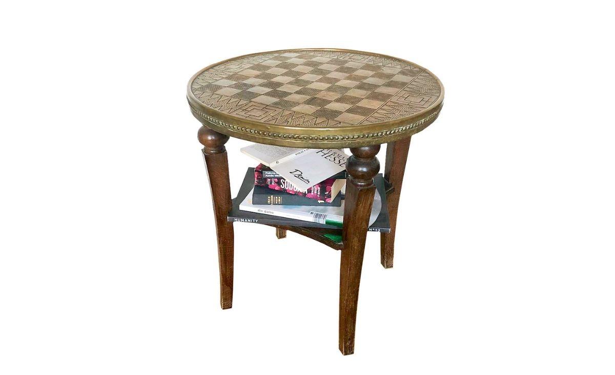 Wędrujący stolik - nośnik wspomnień