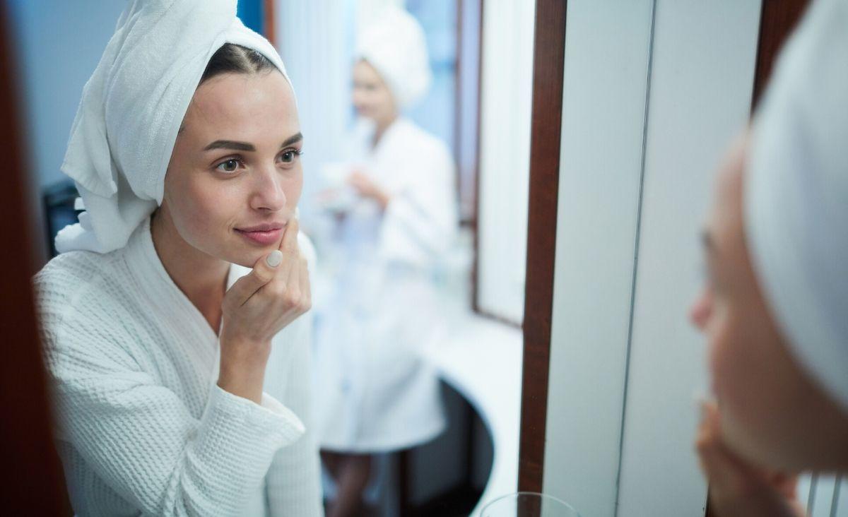 Zostań specjalistą od pielęgnacji domowej. Jak dbać o skórę w tym trudnym czasie?