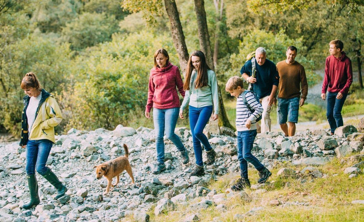 Jak role pełnione w dzieciństwie przenoszą się na dorosłe życie?