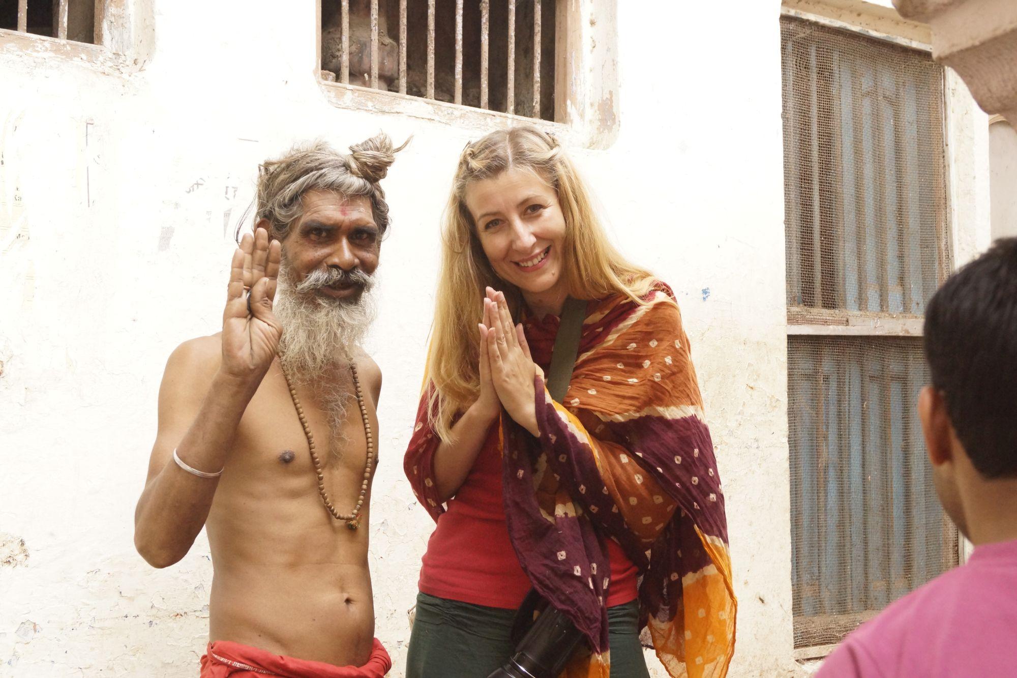 Sympatyczne spotkanie w jednej z uliczek Waranasi