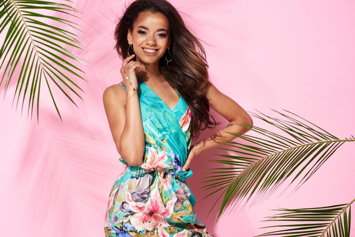 Sukienki na lato. Te sukienki są teraz modne!