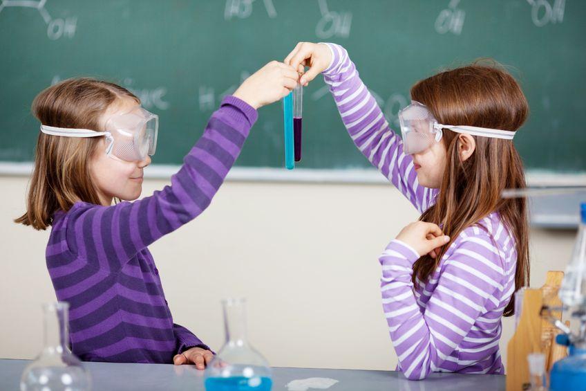 Uwolnić od szkoły: jak wygląda nauka w szkołach demokratycznych?