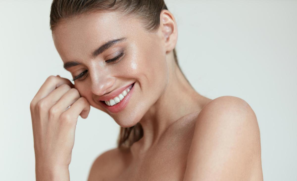 Zakochanie wypisane na twarzy. Jak pozytywne emocje wpływają na naszą skórę?
