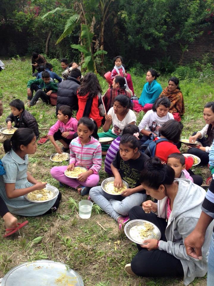 Pomóż dzieciom z Nepalu