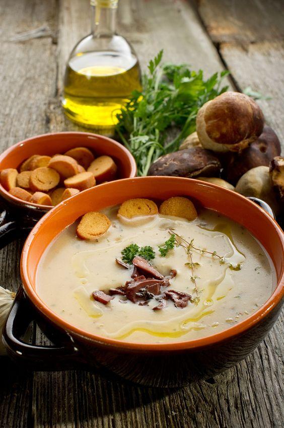 Zupa grzybowa ze świeżym tymiankiem