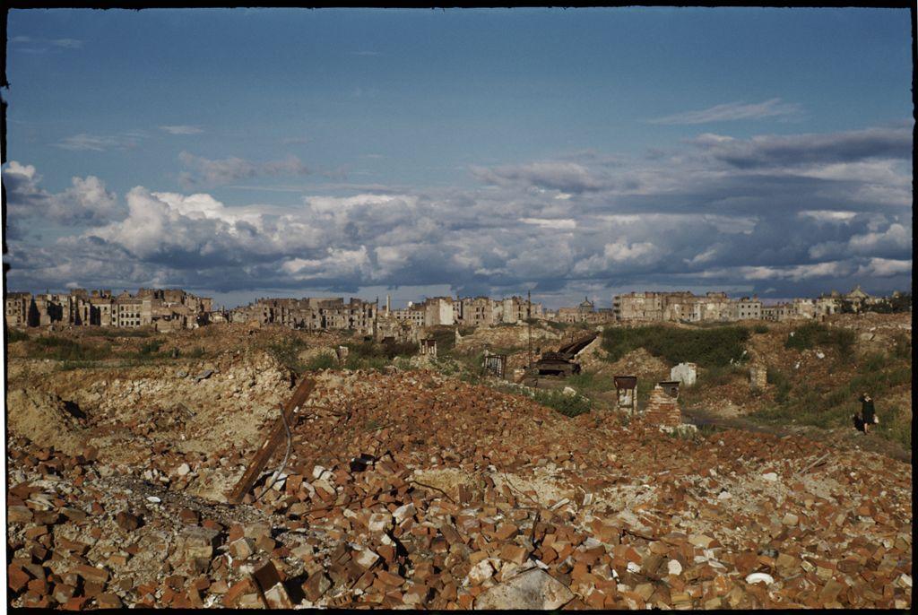 """""""1947 - barwy ruin"""" - wystawa w Domu Spotkań z Historią"""