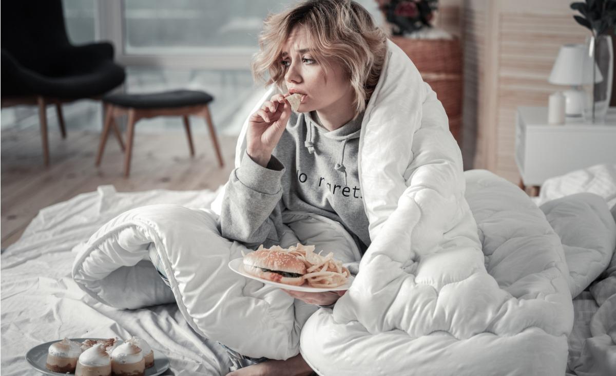 Zajadanie emocji: zaburzone wzorce odżywiania