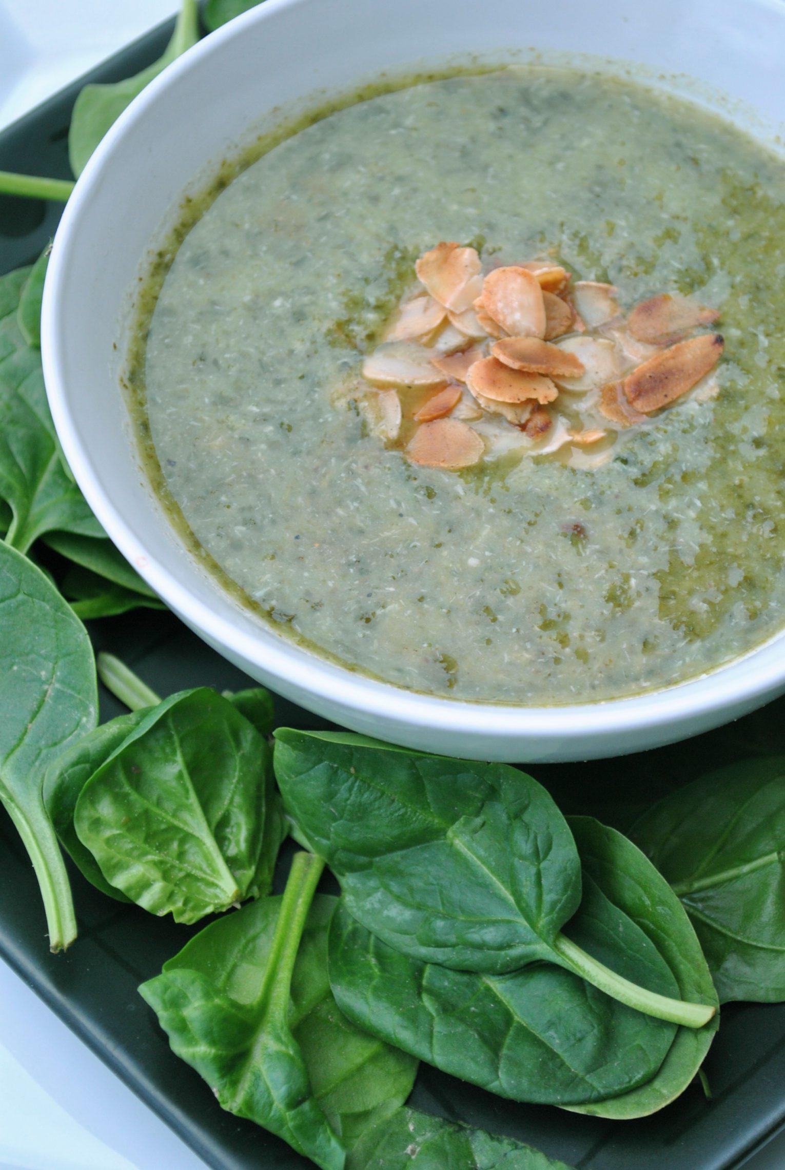 Zupa szpinakowa z wasabi i mleczkiem kokosowym