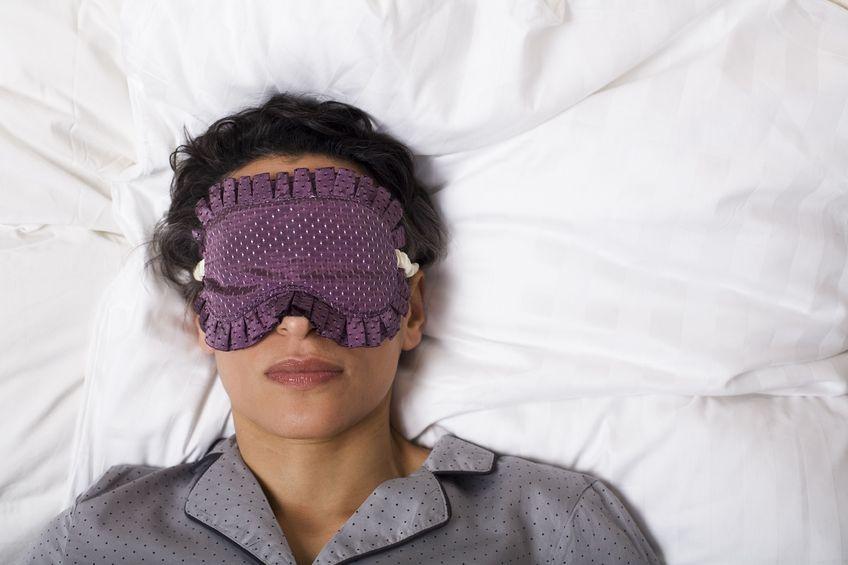 """Dlaczego warto """"przespać"""" się z problemem? - badania"""