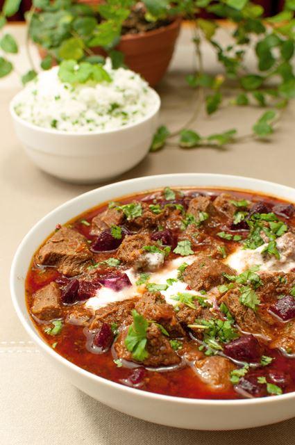 Pieczona zupa z buraków i wołowiny