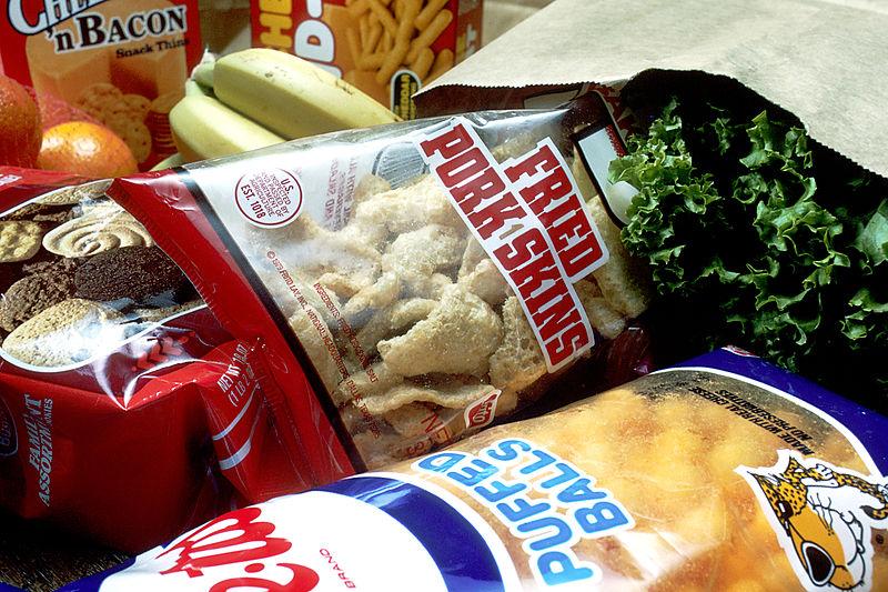 Śmieciowe jedzenie grożniejsze niż palenie