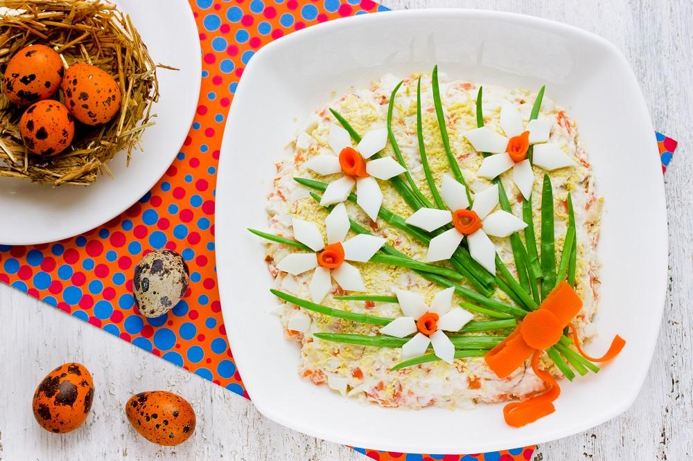 Sałatka z hummusem i kaszą bulgur