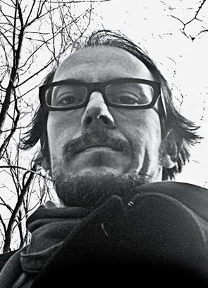 """Kierunek uważność: Marek Adamik o książce """"Sensu sens"""""""