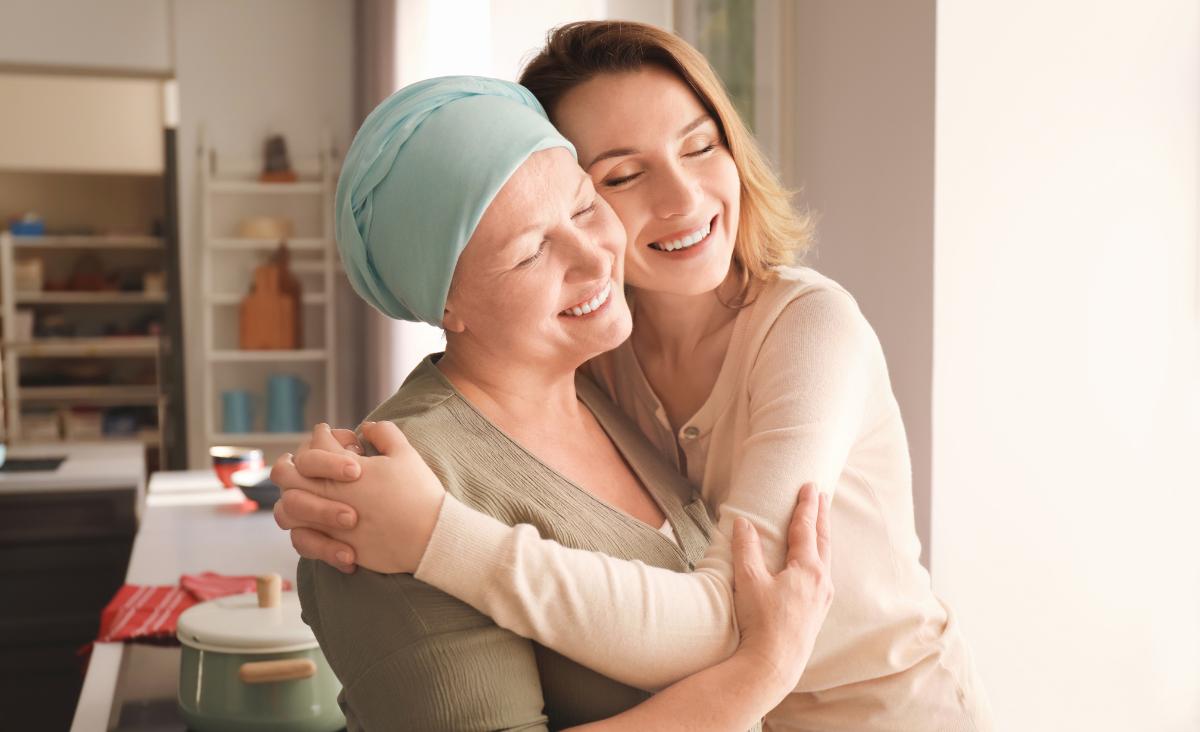 Opieka nad chorym na nowotwór w domu. Jak ją zorganizować?