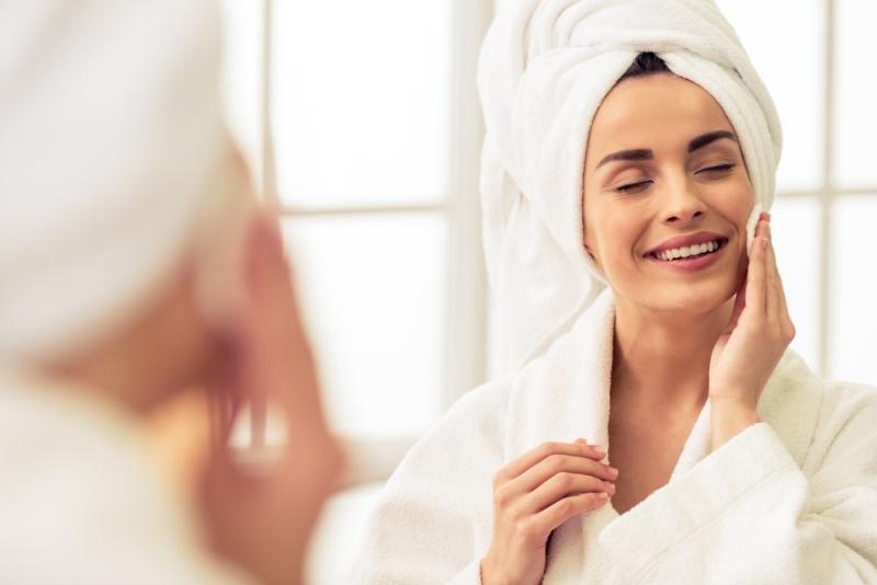 Natura w służbie urody – poznaj moc naturalnych kosmetyków w promocji w drogeriach Super-Pharm!