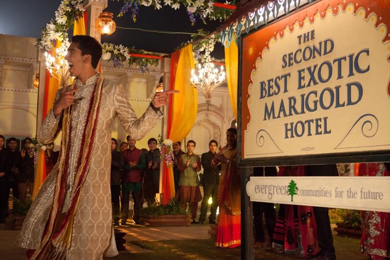 """""""Drugi Hotel Marigold"""" z lutowym numerem """"Zwierciadła"""""""