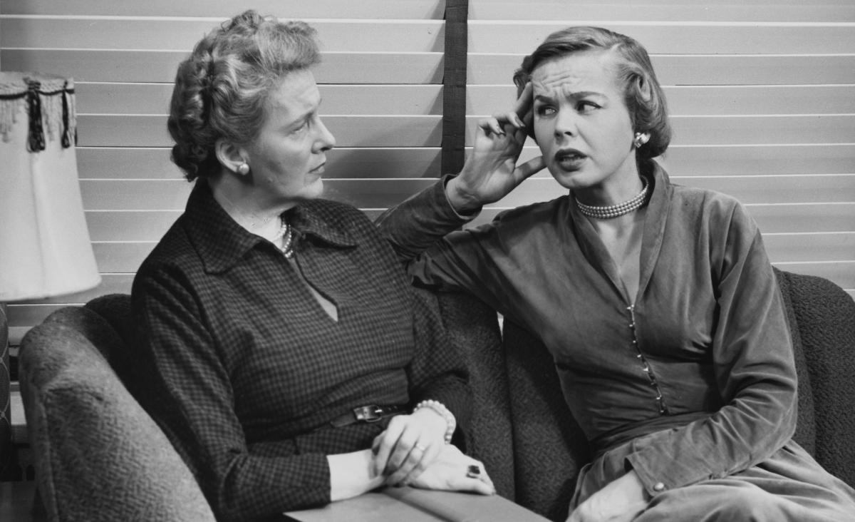 Nadopiekuńcze matki dorosłych dzieci - jak sobie z nimi radzić?
