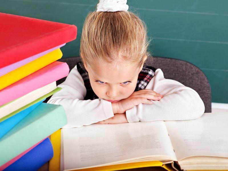 Jak reagować na dziecięce skargi na szkołę?