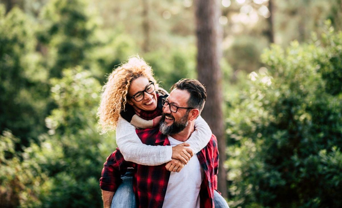 Mit pierwszego zachowania - czy warto szukać miłości sprzed lat?