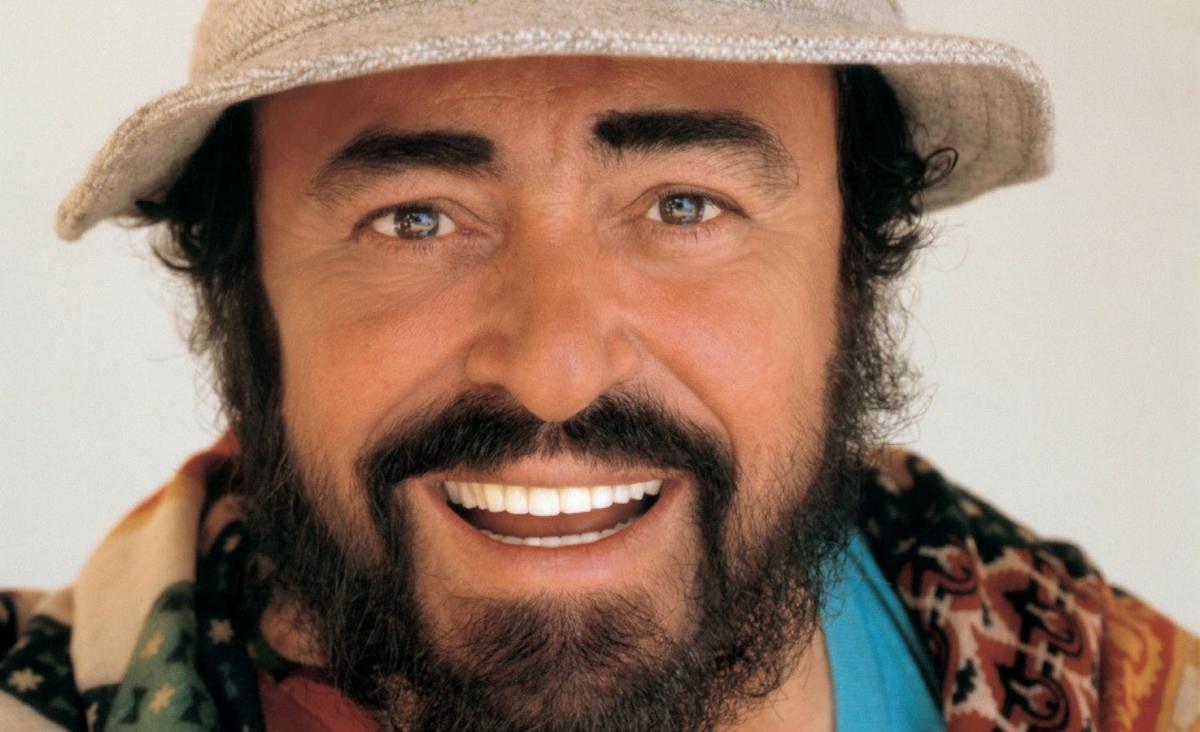 """Gwiazda rocka w operowym wydaniu. """"Pavarotti"""" w kinach od 2 sierpnia!"""