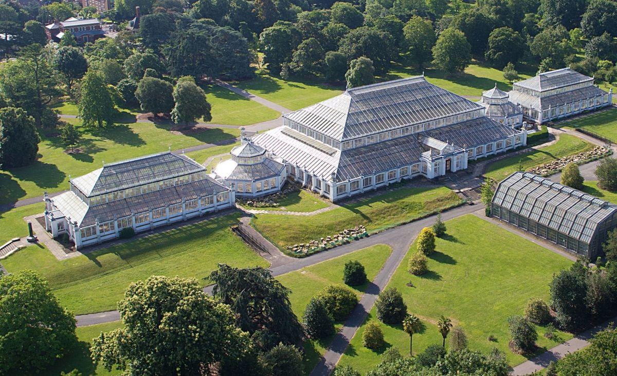 Królewskie Ogrody Botaniczne w Londynie - naukowe podejście do piękna