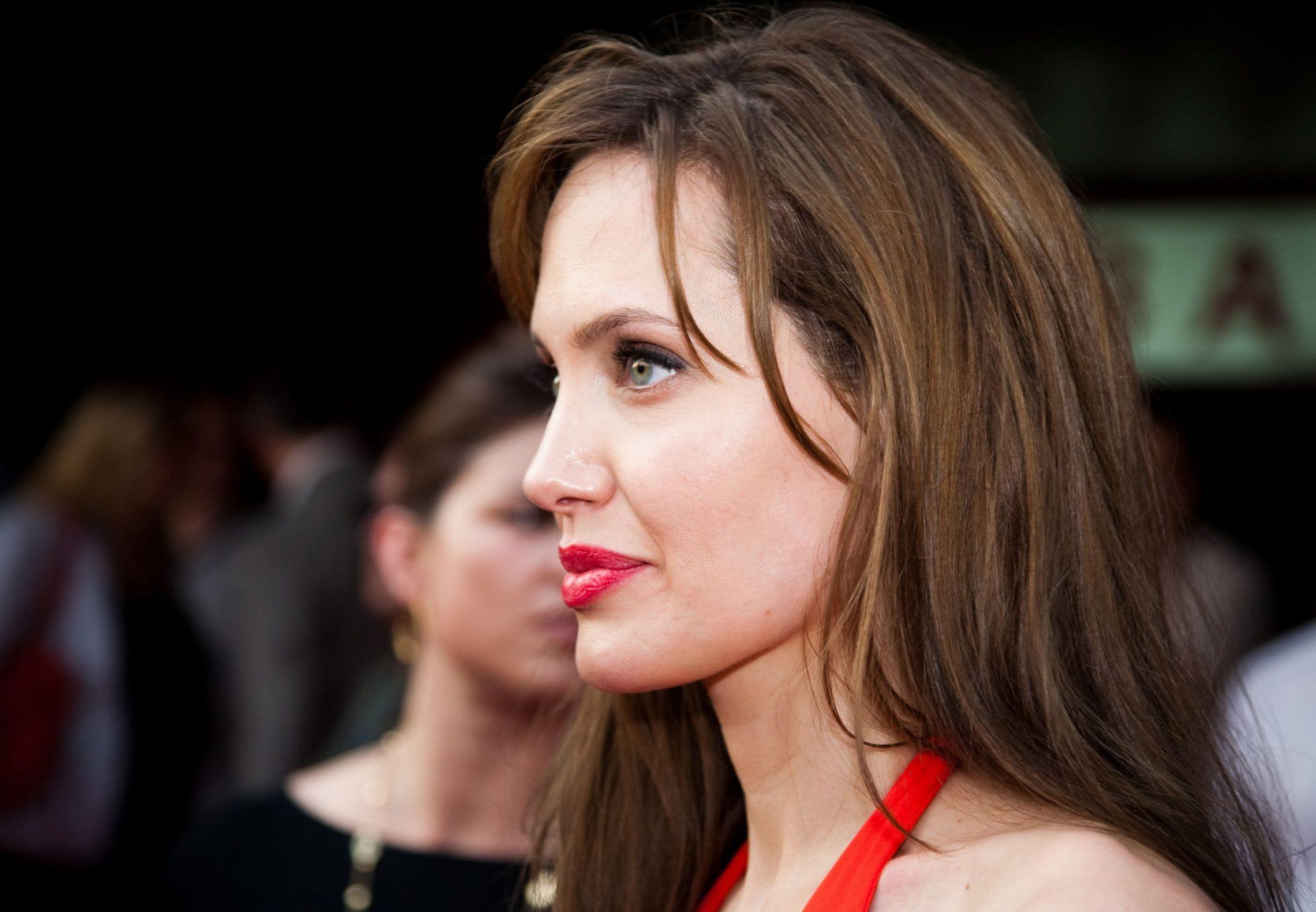 Angelina Jolie – mama, aktorka, reżyserka