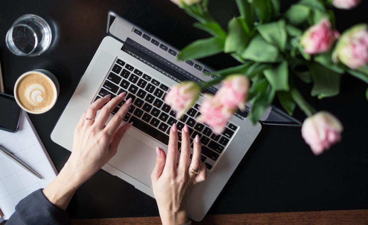 Zespół cieśni nadgarstka - czym jest i czemu grozi ludziom pracującym z komputerem?