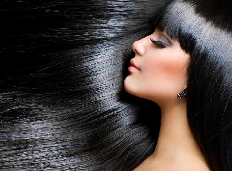 Farbowanie włosów – jak wykonać koloryzację i dobrać odpowiedni odcień