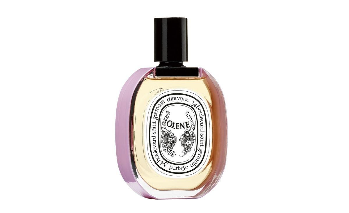 Letnie zapachy - perfumy z nutą ziół i polnych kwiatów