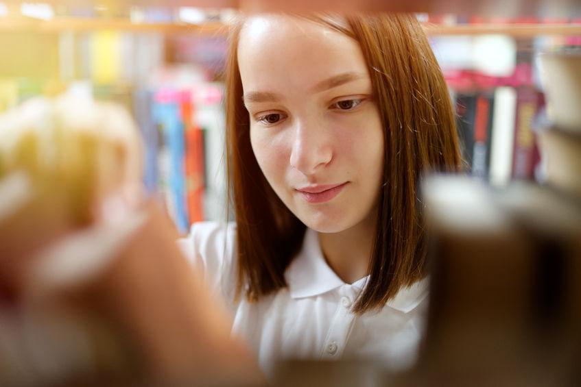 Co czyta młodzież i dlaczego? Popkulturowe bestsellery