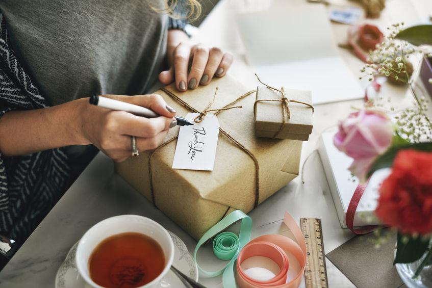 Dwa sposoby na opakowanie prezentów