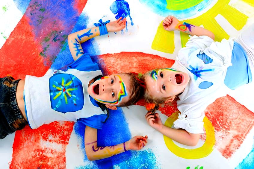Zabawa z dziećmi w bazgranie