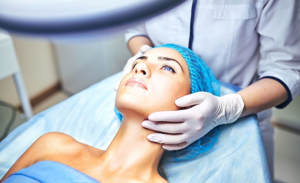 Świadoma pielęgnacja skóry twarzy – trzy kroki do piękna