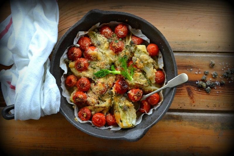 Pieczone pomidory z fenkułem i kruszonką