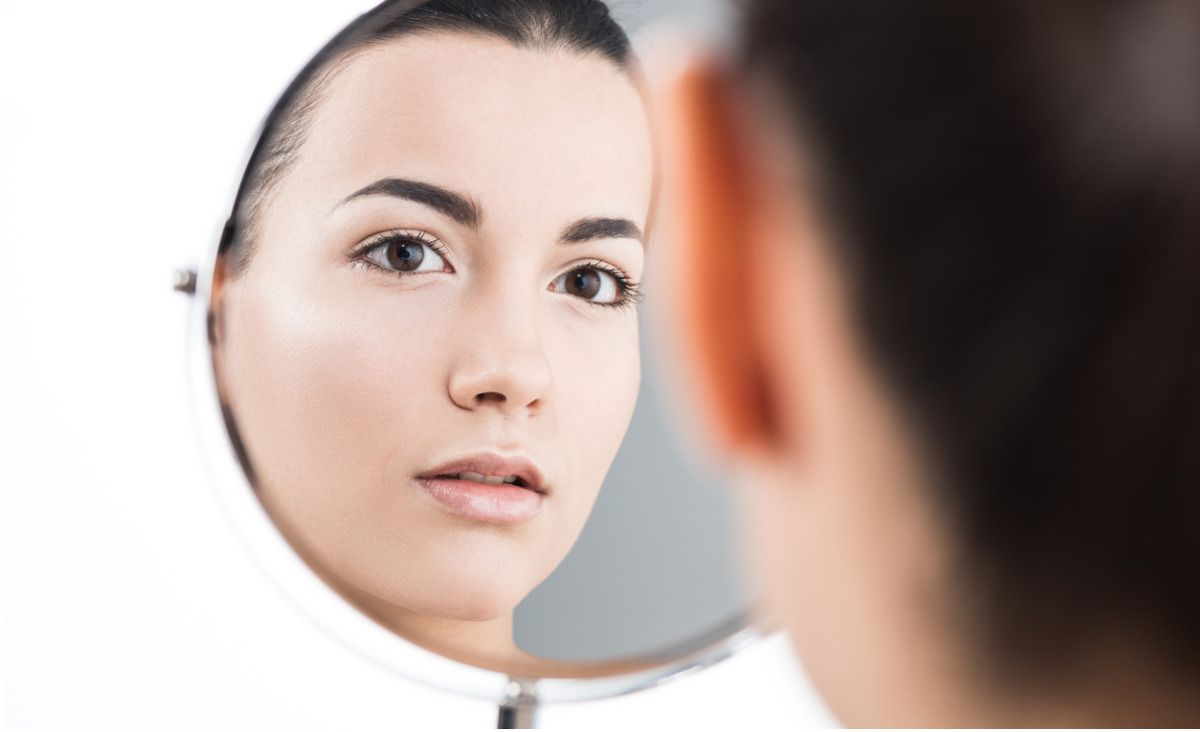 Kiedy wygląd świadczy o depresji - rozmawiamy z psychiatrą i lekarzem medycyny estetycznej