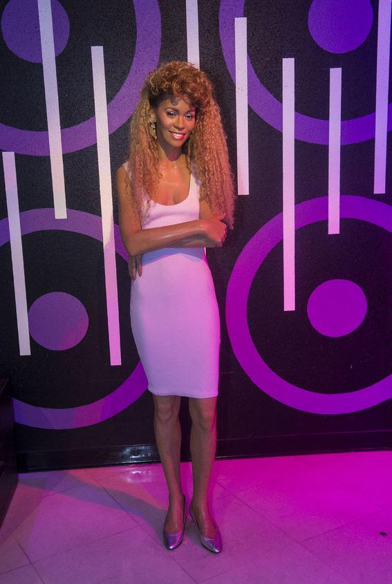 Figura Whitney Houston w muzeum Madame Tussauds w Las Vegas; fot.123rf