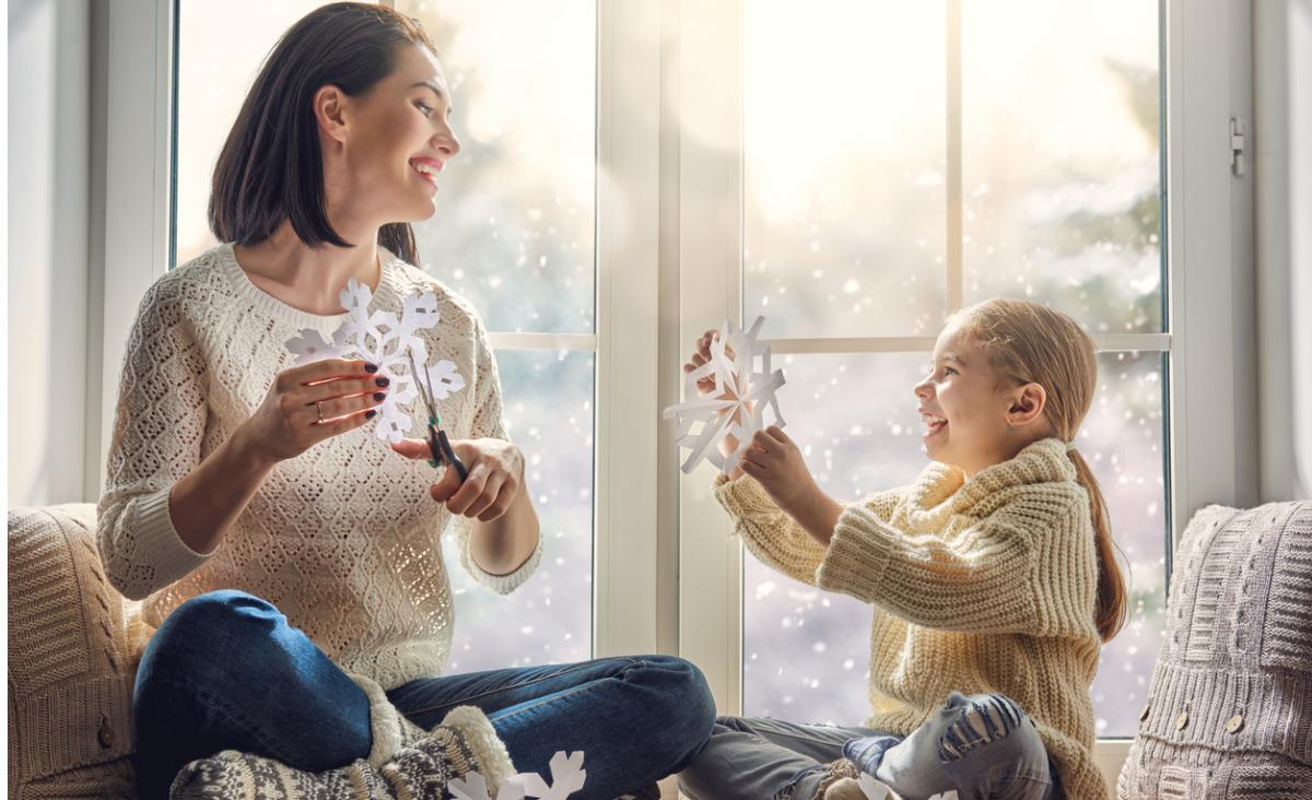 Jak reagować, gdy dziecko zachwyca się nową partnerką taty?