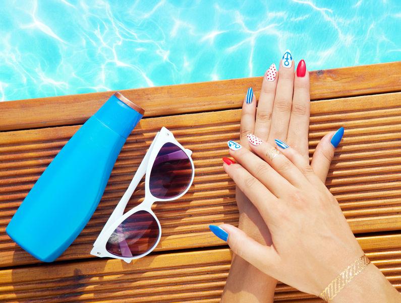 Jak chronić dłonie latem?